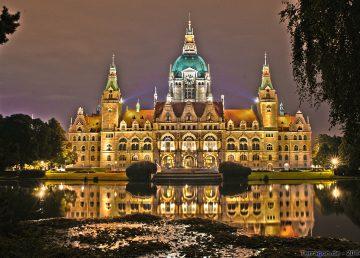 Hannover at Night by Terragon.de