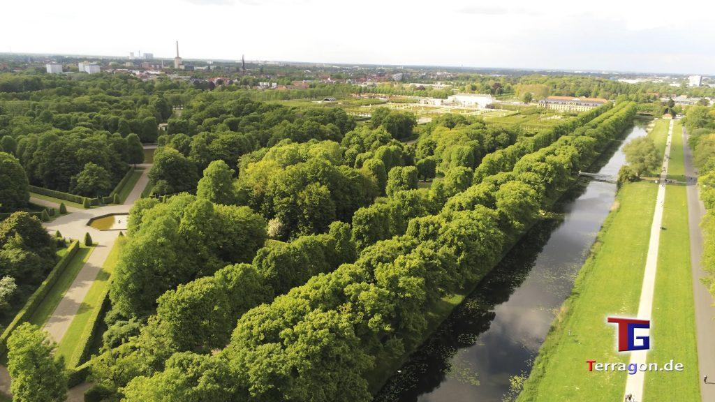 In der Abendsonne: Am Rande der Herrenhäuser Gärten in Hannover