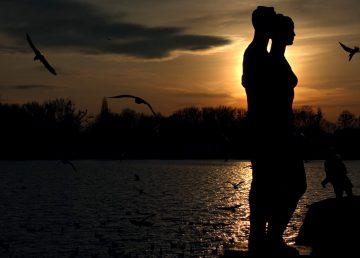 Maschsee am Abend: Konturen vor dem Sonnenuntergang