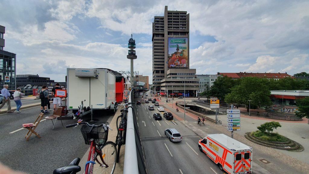 Emotionale Diskussion: Autofahrer vs. Kunst auf der Raschplatz-Hochstraße in Hannover